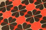detail hartje4 patroon A3 Riso poster FluorOranje Zwart
